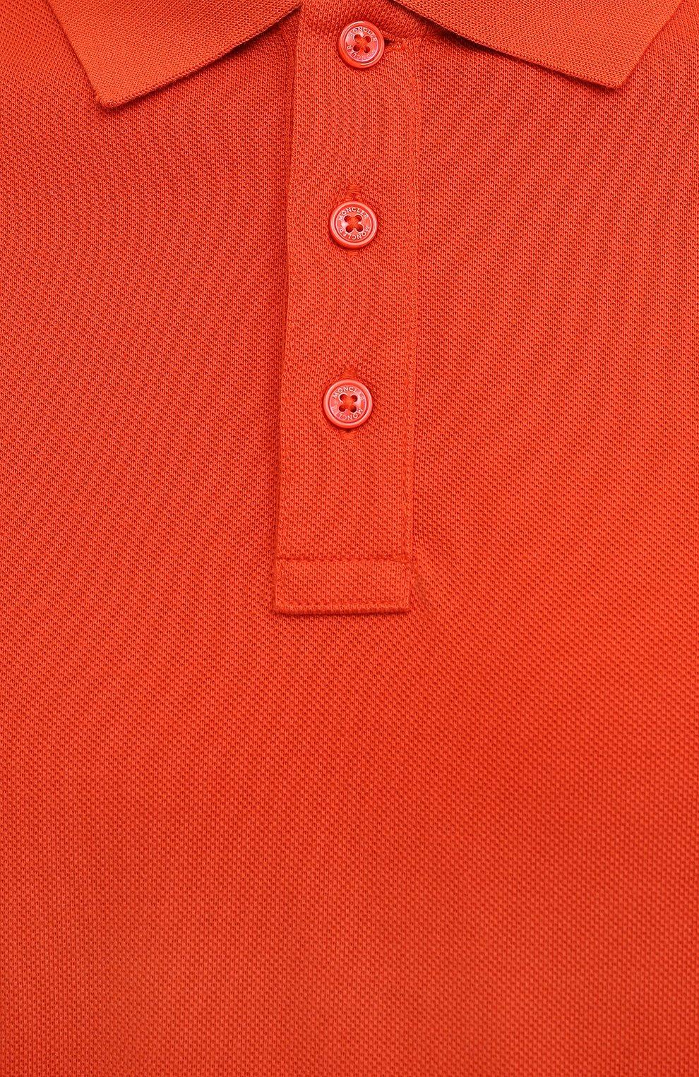 Мужское хлопковое поло MONCLER оранжевого цвета, арт. G2-091-8A705-10-84556 | Фото 5 (Застежка: Пуговицы; Рукава: Короткие; Длина (для топов): Стандартные; Кросс-КТ: Трикотаж; Материал внешний: Хлопок; Стили: Кэжуэл)