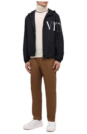 Мужские хлопковые брюки MONCLER коричневого цвета, арт. G2-091-2A000-05-54A1U | Фото 2 (Материал внешний: Хлопок; Длина (брюки, джинсы): Стандартные; Случай: Повседневный; Стили: Кэжуэл)
