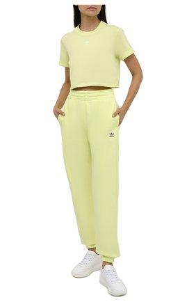 Женская хлопковая футболка ADIDAS ORIGINALS желтого цвета, арт. H37884 | Фото 2