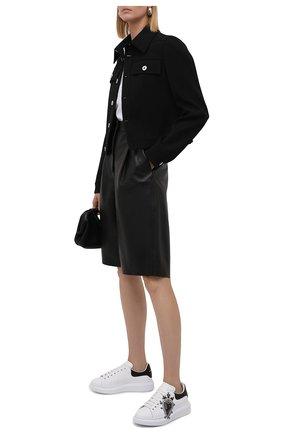 Женские кожаные кеды ALEXANDER MCQUEEN черно-белого цвета, арт. 667570/WIAF3 | Фото 2 (Материал внутренний: Натуральная кожа; Подошва: Платформа)