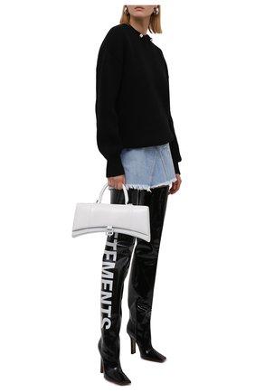 Женские кожаные ботфорты VETEMENTS черно-белого цвета, арт. WA52HE300B 2411   Фото 2 (Подошва: Плоская; Материал внутренний: Натуральная кожа; Каблук высота: Высокий; Высота голенища: Высокие; Каблук тип: Устойчивый)