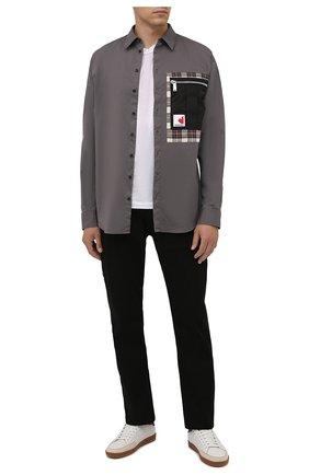 Мужская хлопковая рубашка DSQUARED2 серого цвета, арт. S74DM0531/S35175 | Фото 2 (Длина (для топов): Стандартные; Материал внешний: Хлопок; Рукава: Длинные; Случай: Повседневный; Воротник: Кент; Манжеты: На пуговицах; Принт: С принтом; Стили: Кэжуэл)