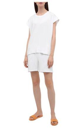 Женские хлопковые шорты EVA B.BITZER белого цвета, арт. 11380245 | Фото 2 (Длина Ж (юбки, платья, шорты): Мини; Женское Кросс-КТ: Домашние шорты; Материал внешний: Хлопок)