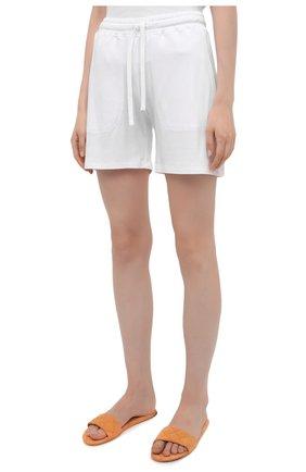 Женские хлопковые шорты EVA B.BITZER белого цвета, арт. 11380245 | Фото 3 (Длина Ж (юбки, платья, шорты): Мини; Женское Кросс-КТ: Домашние шорты; Материал внешний: Хлопок)
