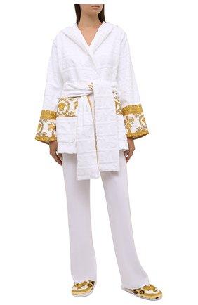 Женский хлопковый халат VERSACE белого цвета, арт. ZACJ00019/ZC0SP052   Фото 2 (Материал внешний: Хлопок; Длина Ж (юбки, платья, шорты): Мини; Рукава: Длинные)