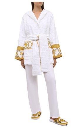 Женского текстильные домашние туфли VERSACE белого цвета, арт. ZSLP00002/ZC0SP094   Фото 2
