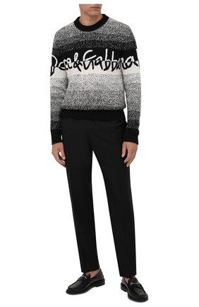Мужской свитер из шерсти и вискозы DOLCE & GABBANA серого цвета, арт. GX525Z/JCMA9 | Фото 2 (Материал внешний: Вискоза, Шерсть; Рукава: Длинные; Длина (для топов): Стандартные; Мужское Кросс-КТ: Свитер-одежда; Принт: С принтом; Стили: Кэжуэл)
