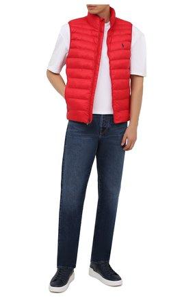 Мужской утепленный жилет POLO RALPH LAUREN красного цвета, арт. 710810898 | Фото 2 (Материал внешний: Синтетический материал; Материал подклада: Синтетический материал; Кросс-КТ: Куртка; Стили: Спорт-шик; Длина (верхняя одежда): Короткие)