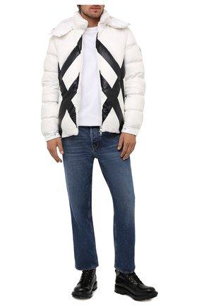 Мужская пуховая куртка madawaska MONCLER белого цвета, арт. G2-091-1A001-54-595MX | Фото 2 (Материал утеплителя: Пух и перо; Материал подклада: Синтетический материал; Материал внешний: Синтетический материал; Длина (верхняя одежда): Короткие; Рукава: Длинные; Кросс-КТ: Куртка; Мужское Кросс-КТ: пуховик-короткий; Стили: Кэжуэл)