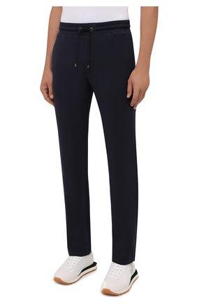 Мужские брюки BOGNER темно-синего цвета, арт. 18755253   Фото 3 (Мужское Кросс-КТ: Брюки-трикотаж; Длина (брюки, джинсы): Стандартные; Случай: Повседневный; Кросс-КТ: Спорт; Материал внешний: Синтетический материал, Хлопок; Стили: Спорт-шик, Кэжуэл)