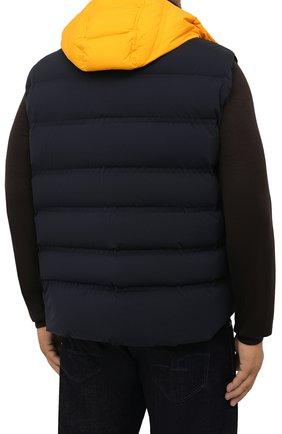 Мужской пуховый жилет KIRED темно-синего цвета, арт. WBREMAW6806523002/62-74 | Фото 4 (Кросс-КТ: Куртка, Пуховик; Big sizes: Big Sizes; Материал внешний: Синтетический материал; Материал подклада: Синтетический материал; Длина (верхняя одежда): Короткие; Материал утеплителя: Пух и перо; Стили: Кэжуэл)