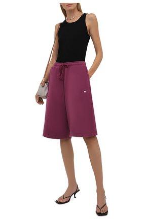 Женские хлопковые шорты ACNE STUDIOS розового цвета, арт. CE0014/W | Фото 2 (Материал внешний: Хлопок; Длина Ж (юбки, платья, шорты): Миди; Женское Кросс-КТ: Шорты-одежда; Стили: Спорт-шик; Кросс-КТ: Широкие)