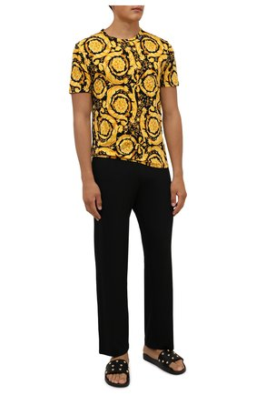 Мужская хлопковая футболка VERSACE желтого цвета, арт. 1000959/1A00515   Фото 2