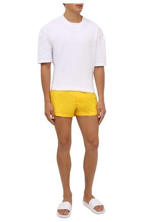 Мужские плавки-шорты DOLCE & GABBANA желтого цвета, арт. M4B39T/FUSFW | Фото 2 (Мужское Кросс-КТ: плавки-шорты; Материал внешний: Синтетический материал; Принт: Без принта)