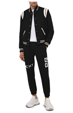 Мужские хлопковые джоггеры GIVENCHY черного цвета, арт. BM50WB3Y6U | Фото 2 (Длина (брюки, джинсы): Стандартные; Материал внешний: Хлопок; Силуэт М (брюки): Джоггеры; Стили: Спорт-шик; Мужское Кросс-КТ: Брюки-трикотаж)