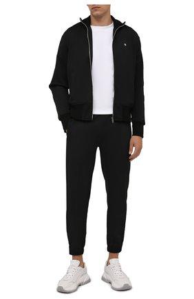Мужские джоггеры GIVENCHY черного цвета, арт. BM50VU30AE | Фото 2 (Материал внешний: Синтетический материал, Хлопок; Длина (брюки, джинсы): Стандартные; Силуэт М (брюки): Джоггеры; Стили: Спорт-шик)