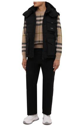 Мужской пуховый жилет DOLCE & GABBANA черного цвета, арт. G9VD7T/FUM8T | Фото 2 (Материал утеплителя: Пух и перо; Материал внешний: Хлопок; Материал подклада: Синтетический материал; Длина (верхняя одежда): Короткие; Кросс-КТ: Куртка, Пуховик; Стили: Кэжуэл)