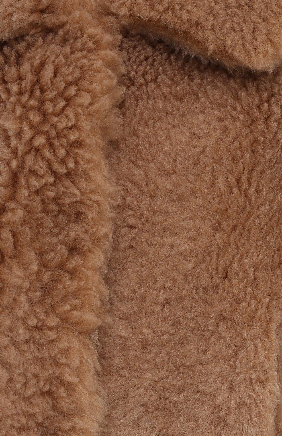 Женская шуба из овчины MANZONI24 бежевого цвета, арт. 21M832-S10/38-46 | Фото 5 (Женское Кросс-КТ: Мех; Рукава: Длинные; Материал внешний: Натуральный мех; Длина (верхняя одежда): Короткие; Стили: Кэжуэл)