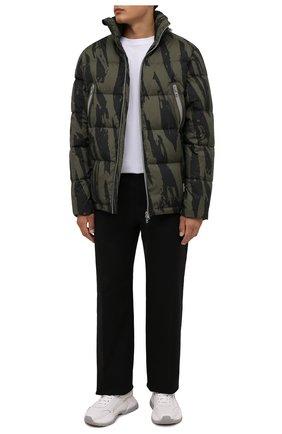 Мужская пуховая куртка KENZO хаки цвета, арт. FB650U1271NN   Фото 2 (Материал утеплителя: Пух и перо; Материал подклада: Синтетический материал; Материал внешний: Синтетический материал; Рукава: Длинные; Длина (верхняя одежда): Короткие; Кросс-КТ: Куртка; Мужское Кросс-КТ: пуховик-короткий; Стили: Кэжуэл)