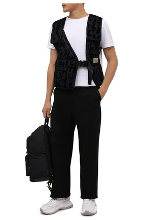Мужской жилет DOLCE & GABBANA черного цвета, арт. G9V01Z/HUMD6   Фото 2 (Длина (верхняя одежда): Короткие; Материал подклада: Синтетический материал; Материал внешний: Синтетический материал; Кросс-КТ: Куртка; Стили: Кэжуэл)