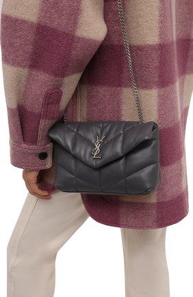 Женская сумка puffer loulou mini SAINT LAURENT темно-серого цвета, арт. 620333/1EL00 | Фото 2 (Материал: Натуральная кожа; Сумки-технические: Сумки через плечо; Ремень/цепочка: На ремешке; Размер: mini)