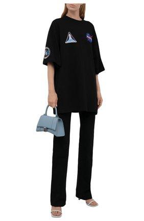 Женская хлопковая футболка BALENCIAGA черного цвета, арт. 651795/TKVD7 | Фото 2 (Рукава: 3/4; Длина (для топов): Удлиненные; Материал внешний: Хлопок; Женское Кросс-КТ: Футболка-одежда; Принт: С принтом; Стили: Спорт-шик)