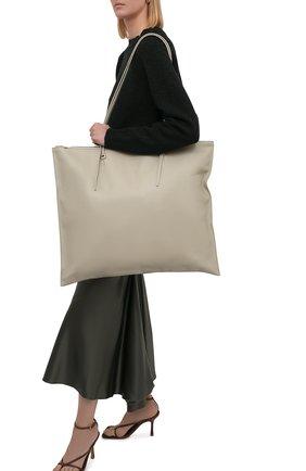 Женский сумка holster JIL SANDER светло-серого цвета, арт. JSPT852585-WTB00103   Фото 2 (Размер: large; Материал: Натуральная кожа; Сумки-технические: Сумки-шопперы)