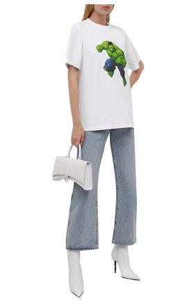 Женская хлопковая футболка BALENCIAGA белого цвета, арт. 612965/TLV59 | Фото 2 (Длина (для топов): Стандартные; Материал внешний: Хлопок; Рукава: Короткие; Женское Кросс-КТ: Футболка-одежда; Принт: С принтом; Стили: Спорт-шик)
