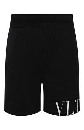 Мужские шорты VALENTINO черного цвета, арт. WV3MD02Y7CV | Фото 1 (Материал внешний: Синтетический материал; Кросс-КТ: Трикотаж; Принт: С принтом; Стили: Спорт-шик; Длина Шорты М: До колена)