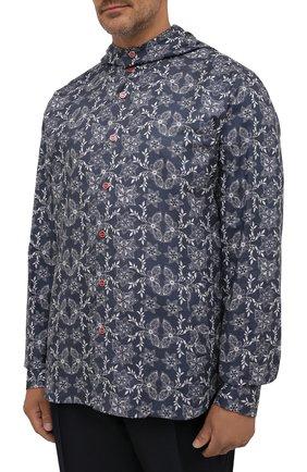 Мужская хлопковая рубашка KITON синего цвета, арт. UMCMARH0784101/47-50   Фото 3 (Воротник: С капюшоном; Рукава: Длинные; Манжеты: На кнопках; Случай: Повседневный; Длина (для топов): Стандартные; Принт: С принтом; Материал внешний: Хлопок)