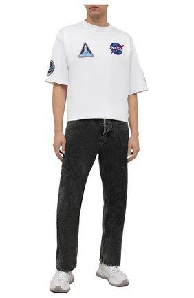 Мужская хлопковая футболка BALENCIAGA белого цвета, арт. 651795/TKVD7 | Фото 2 (Материал внешний: Хлопок; Длина (для топов): Удлиненные; Принт: С принтом; Стили: Спорт-шик; Рукава: Короткие)