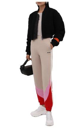 Женские хлопковые джоггеры MSGM бежевого цвета, арт. 3141MDP64 217799   Фото 2 (Материал внешний: Хлопок; Длина (брюки, джинсы): Стандартные; Женское Кросс-КТ: Джоггеры - брюки, Брюки-спорт; Силуэт Ж (брюки и джинсы): Джоггеры; Стили: Спорт-шик)
