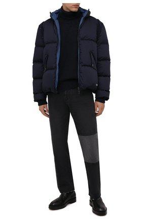 Мужская пуховая куртка VALENTINO темно-синего цвета, арт. WV3CNB357MW | Фото 2 (Материал внешний: Хлопок; Материал утеплителя: Пух и перо; Материал подклада: Синтетический материал; Кросс-КТ: Куртка; Мужское Кросс-КТ: пуховик-короткий; Стили: Кэжуэл; Длина (верхняя одежда): Короткие; Рукава: Длинные)
