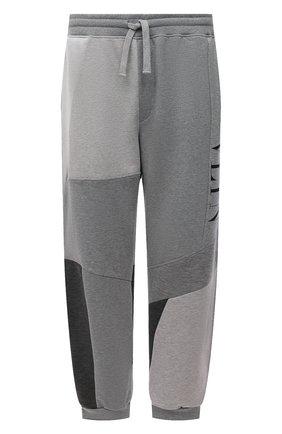 Мужские хлопковые джоггеры VALENTINO светло-серого цвета, арт. WV3MD03A7CW | Фото 1 (Материал внешний: Хлопок; Силуэт М (брюки): Джоггеры; Мужское Кросс-КТ: Брюки-трикотаж; Стили: Спорт-шик; Длина (брюки, джинсы): Стандартные)