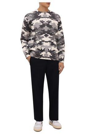Мужской шерстяной свитер BURBERRY серого цвета, арт. 8043020 | Фото 2 (Материал внешний: Шерсть; Длина (для топов): Стандартные; Рукава: Длинные; Мужское Кросс-КТ: Свитер-одежда; Принт: С принтом; Стили: Кэжуэл)