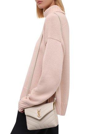 Женская сумка loulou toy SAINT LAURENT кремвого цвета, арт. 678401/DV707 | Фото 2 (Размер: mini; Материал: Натуральная кожа; Ремень/цепочка: На ремешке; Сумки-технические: Сумки через плечо)