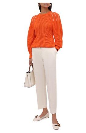 Женские кожаные туфли GUCCI белого цвета, арт. 658856/C9D00 | Фото 2 (Подошва: Плоская; Материал внутренний: Натуральная кожа; Каблук высота: Низкий; Каблук тип: Устойчивый)