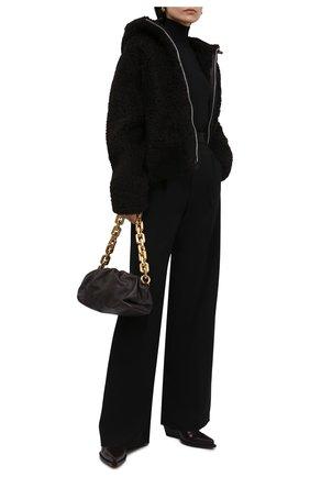 Женская шуба из овчины BOTTEGA VENETA темно-коричневого цвета, арт. 671292/VKV70   Фото 2 (Длина (верхняя одежда): Короткие; Стили: Кэжуэл; Рукава: Длинные; Материал подклада: Синтетический материал; Материал внешний: Натуральный мех)