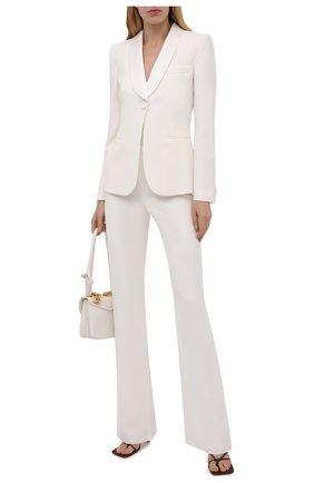 Женский шерстяной костюм GIORGIO ARMANI белого цвета, арт. 8CHAT001/T00EV | Фото 1 (Материал внешний: Шелк; Длина (для топов): Стандартные; Материал подклада: Шелк; Рукава: Длинные; Женское Кросс-КТ: Жакет-одежда; 1-2-бортные: Однобортные; Случай: Повседневный; Стили: Классический)