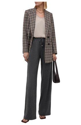 Женские кашемировые брюки KITON темно-серого цвета, арт. D48122K0535A   Фото 2 (Материал внешний: Шерсть, Кашемир; Длина (брюки, джинсы): Удлиненные; Женское Кросс-КТ: Брюки-одежда; Силуэт Ж (брюки и джинсы): Расклешенные; Стили: Спорт-шик)