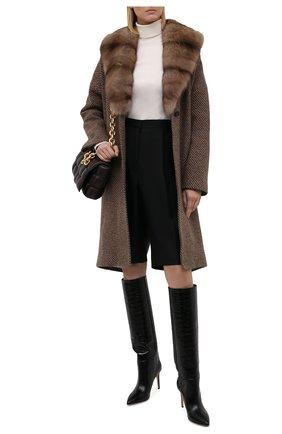 Женское кашемировое пальто KITON бежевого цвета, арт. D50633K0581A   Фото 2 (Материал внешний: Кашемир, Шерсть; Длина (верхняя одежда): До колена; Рукава: Длинные; Материал подклада: Шелк; 1-2-бортные: Однобортные; Стили: Кэжуэл)