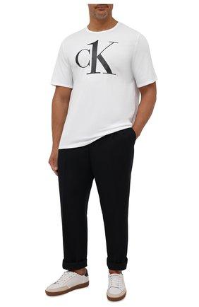 Мужская хлопковая футболка CALVIN KLEIN белого цвета, арт. NM1903E | Фото 2 (Материал внешний: Хлопок; Кросс-КТ: домашняя одежда; Рукава: Короткие; Длина (для топов): Стандартные)