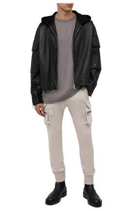 Мужские хлопковые джоггеры RICK OWENS кремвого цвета, арт. RU02A5396/BA   Фото 2 (Материал внешний: Хлопок; Силуэт М (брюки): Джоггеры, Карго; Кросс-КТ: Трикотаж; Стили: Спорт-шик; Длина (брюки, джинсы): Стандартные)