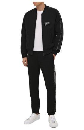Мужские хлопковые джоггеры MONCLER черного цвета, арт. G2-091-8H000-07-809KR | Фото 2 (Длина (брюки, джинсы): Стандартные; Материал внешний: Хлопок; Силуэт М (брюки): Джоггеры; Кросс-КТ: Трикотаж; Стили: Спорт-шик)