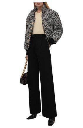Женская пуховая куртка BALMAIN черно-белого цвета, арт. WF1TP010/I710   Фото 2 (Материал утеплителя: Пух и перо; Длина (верхняя одежда): Короткие; Рукава: Длинные; Материал подклада: Синтетический материал; Материал внешний: Синтетический материал; Стили: Спорт-шик; Кросс-КТ: Куртка; Женское Кросс-КТ: Пуховик-куртка)
