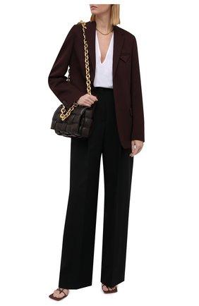 Женская хлопковая блузка DRIES VAN NOTEN белого цвета, арт. 212-010724-3169   Фото 2 (Рукава: Длинные; Длина (для топов): Удлиненные; Материал внешний: Хлопок; Стили: Кэжуэл; Женское Кросс-КТ: Блуза-одежда; Принт: Без принта)