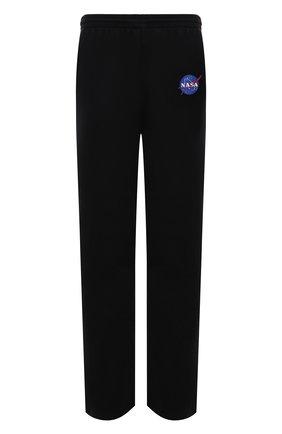 Мужские хлопковые брюки BALENCIAGA черного цвета, арт. 641673/TKVD8 | Фото 1 (Длина (брюки, джинсы): Стандартные; Материал внешний: Хлопок; Случай: Повседневный; Мужское Кросс-КТ: Брюки-трикотаж; Стили: Спорт-шик)