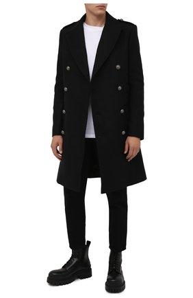 Мужской шерстяное пальто BALMAIN черного цвета, арт. WH1UB000/W115 | Фото 2 (Материал внешний: Шерсть; Материал подклада: Синтетический материал; Мужское Кросс-КТ: пальто-верхняя одежда; Стили: Кэжуэл; Длина (верхняя одежда): До колена; Рукава: Длинные)