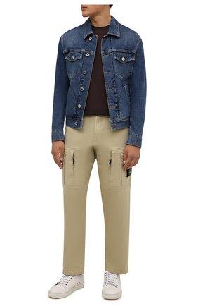 Мужская хлопковая футболка STONE ISLAND темно-коричневого цвета, арт. 751524113 | Фото 2 (Материал внешний: Хлопок; Принт: Без принта; Рукава: Короткие; Длина (для топов): Стандартные; Стили: Кэжуэл)