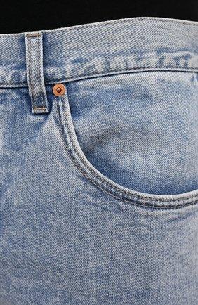 Мужские джинсы GUCCI голубого цвета, арт. 408637/XDBCD | Фото 5 (Силуэт М (брюки): Прямые; Кросс-КТ: Деним; Длина (брюки, джинсы): Стандартные; Материал внешний: Хлопок)
